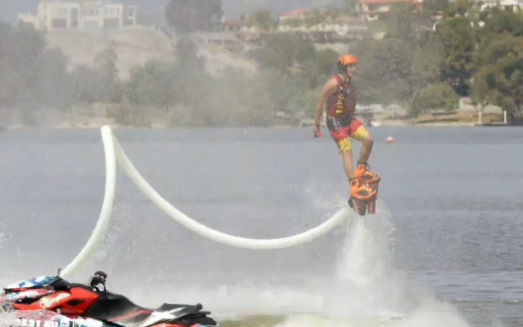16 jarige Damone Rippy flyboard in America's Got Talent 2015